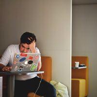 De las 32 hasta las 130 horas de trabajo semanales: las opiniones dispares de los CEO sobre los horarios de los empleados y sobre los suyos propios