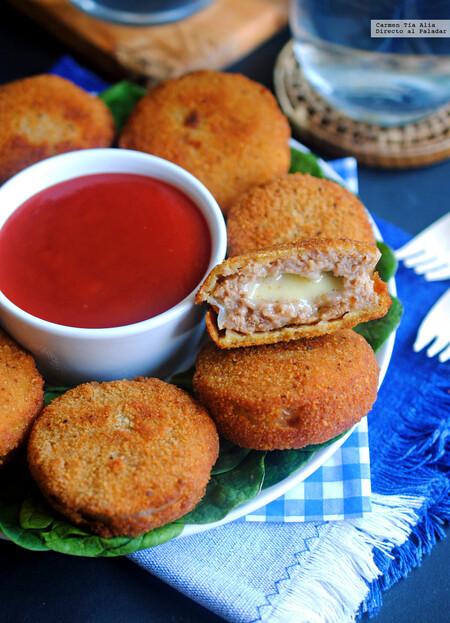Aros de cebolla rellenos de carne con queso. Receta fácil para disfrutar del Super Bowl