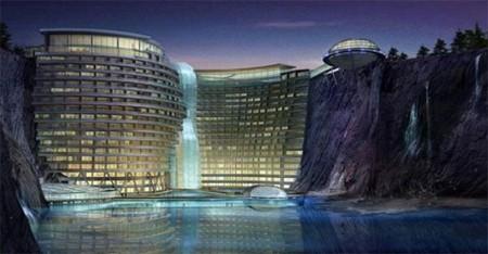 Waterworld China: un hotel incrustado en una cantera