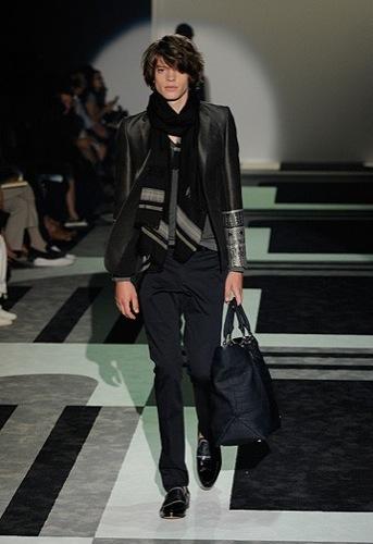 Gucci, Primavera-Verano 2010 en la Semana de la Moda de Milán VI