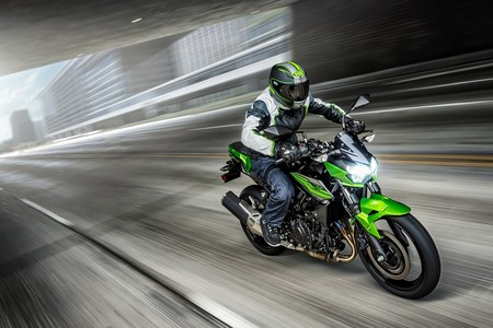 La Kawasaki Z400 se estrena como la naked del carnet A2 a batir con 44 CV y todo el espíritu Sugomi