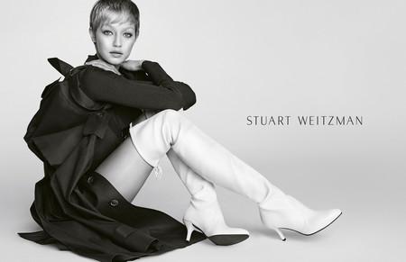 Gigi Hadid sorprende con nuevo look para Stuart Weitzman