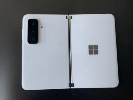 Surface Duo 2 White 1
