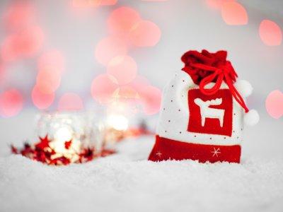 Luces, bolas y otros adornos baratos. Cazando Gangas para decorar en Navidad