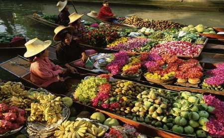 -damnoen-saduak-floating-market-bangkok-thailand