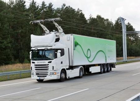 La primera autopista eléctrica del mundo está en Suecia, y es obra de Siemens y Scania