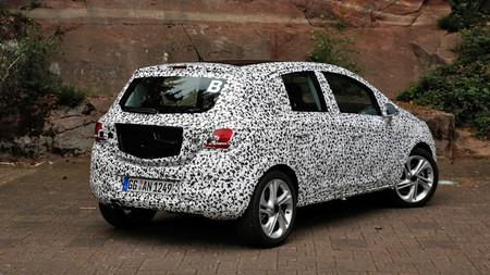 Opel Corsa E camuflado