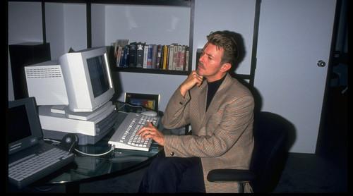 Internet estrena gobierno, BowieNet y radiografía de la élite tuitera. Internet is a Series of Blogs (380)