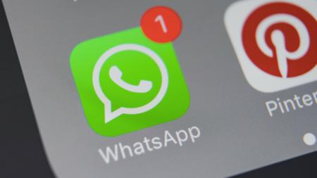 Oficial: WhatsApp en su nueva actualización solo permite el reenvío de mensajes en cinco conversaciones
