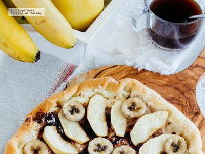 Pizza de plátano y manzana. Receta fácil