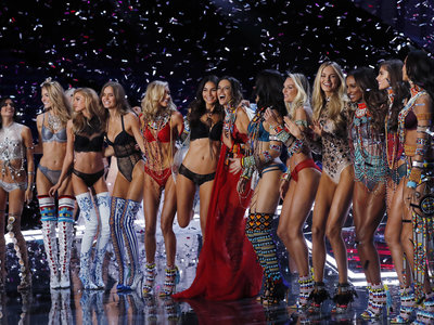 El desfile de Victoria's Secret 2017: los ángeles más sexys enamoran en Shanghái