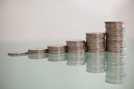 Después de todo, la CNMC se da cuenta de que a menos operadores los precios suben