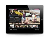 El televisor para los directos, el tablet y teléfono para televisión a demanda