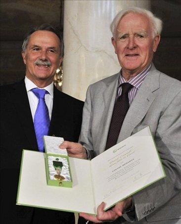 John le Carré recibe la Medalla Goethe