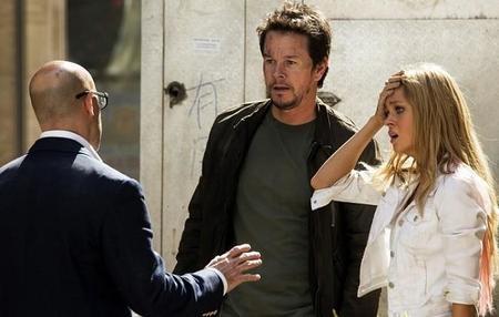 Stanley Tucci, Mark Wahlberg y Nicola Peltz en