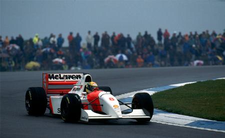 Gran Premio de Europa 1993: Ayrton Senna realiza una exhibición bajo la lluvia en Donington