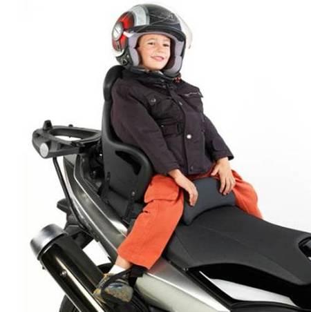 Givi S650, accesorio para llevar niños en el scooter