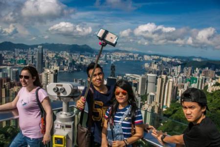 ¡Un palo! ¡Es un palo! Por qué hacer fotos con un palo de selfies es una mala idea