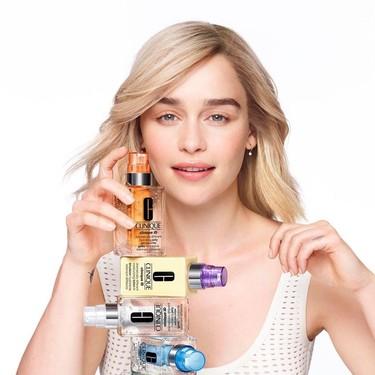 Clinique ficha a Emilia  Clarke como nueva embajadora y no nos puede gustar más la idea