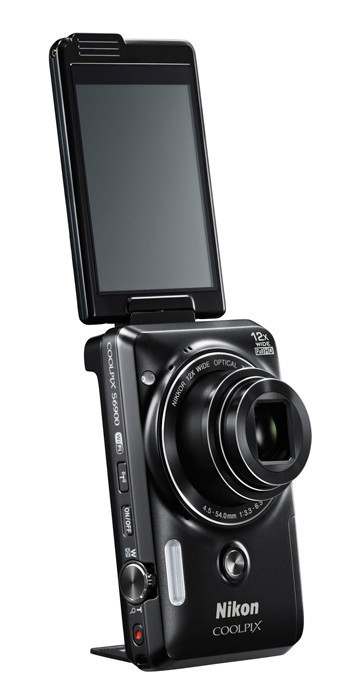 Nikon Coolpix S6900 quiere ser la mejor compacta para selfies