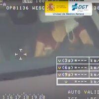 La DGT caza en siete días a casi 3.000 conductores con el móvil en la mano: una infracción que ya cuesta 6 puntos y 200 euros de multa