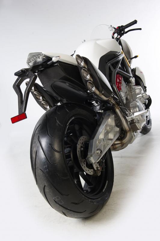 Foto de FGR Midalu V6, 2500 cc y 240 CV para una Naked (4/10)