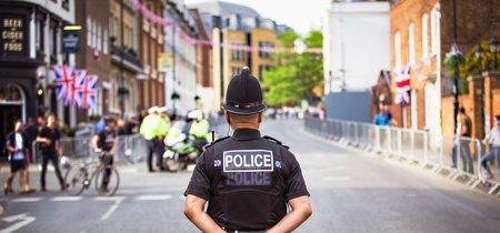 La policía de Reino Unido quiere usar inteligencia artificial para predecir el riesgo de que alguien cometa un crimen