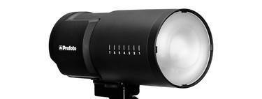 Profoto B10 Plus, la nueva versión de un pequeño flash de estudio con el doble de potencia que su antecesor