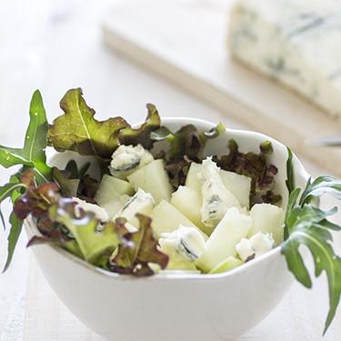 Ensalada fresca de melón y queso gorgonzola: receta sencilla para un contraste de sabores exquisito