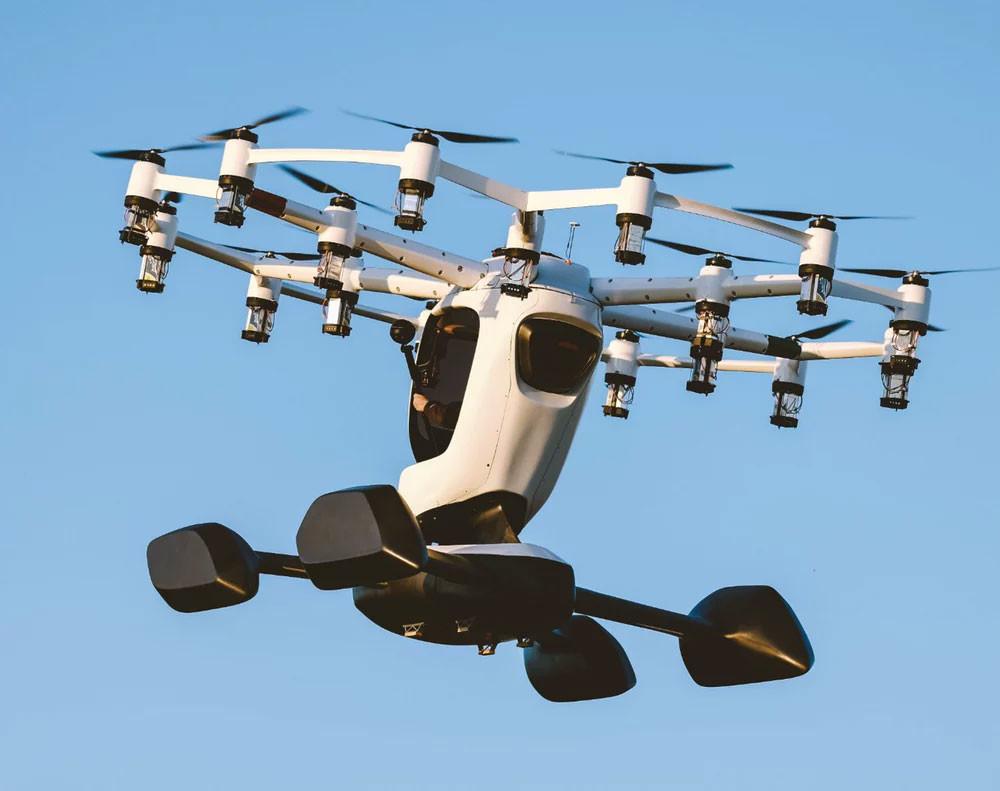 Por qué conformarse con una sola hélice pudiendo tener 18: Hexa es un vehículo volador eléctrico que se controla con un iPad Pro