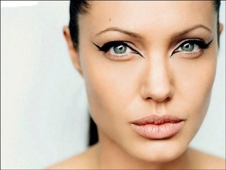Angelina Jolie Trendencias belleza eyeliner