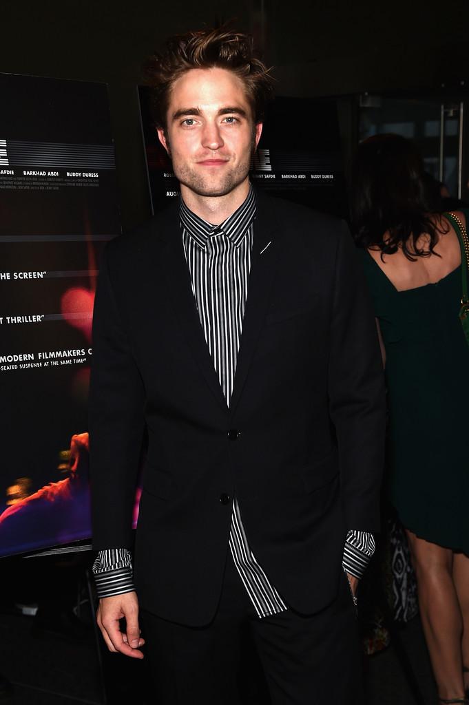 Robert Pattinson Cayo En El Peor Error Al Vestir Un Traje Se Lo Perdonamos 2