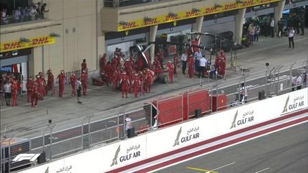 Escalofriante accidente en el pit stop de Kimi Raikkonen en el Gran Premio de Baréin