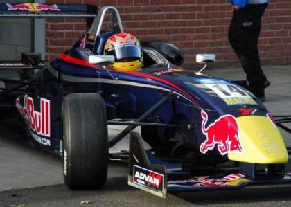 Alguersuari Jr comienza arriba en la F3 británica