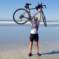 La mujer más mayor en lograr recorrer Canadá en bicicleta (y también Estados Unidos)