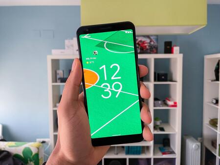 Android 12 por fin gana el 'scroll de rebote' que el iPhone tiene desde 2007