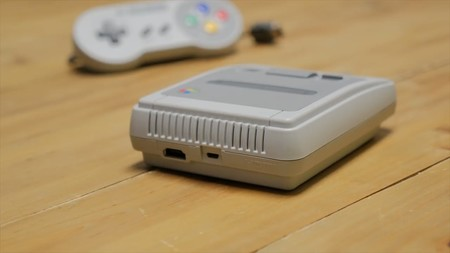SNES Mini, conectores