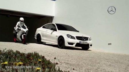 Mercedes C63 AMG Coupé vs Ducati 848 EVO, duelo amistoso