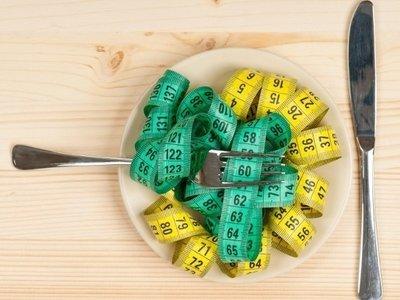 Estos son los riegos de las dietas milagro que prometen adelgazar 10 kilos en un mes