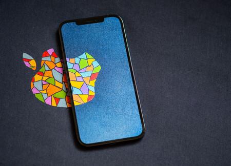 El iPhone 13 sí tendrá conexión satelital, pero será solo para uso en situaciones de emergencia, según Bloomberg
