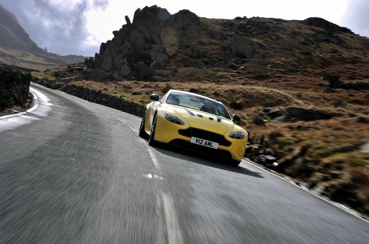 Foto de Aston Martin V12 Vantage S (11/34)