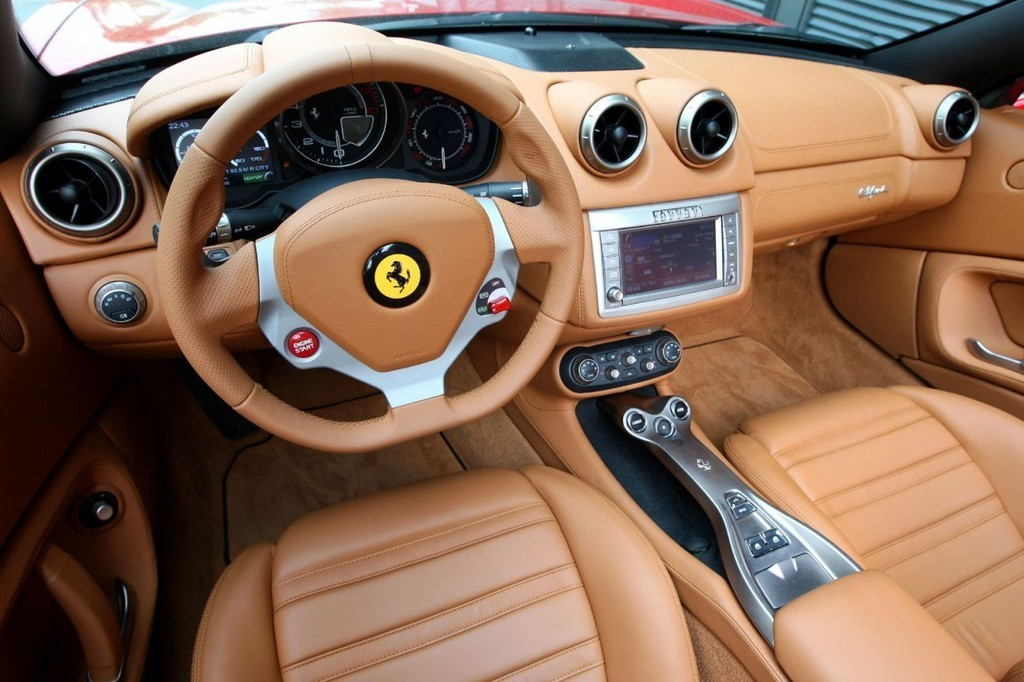 Foto de Ferrari California (40/50)