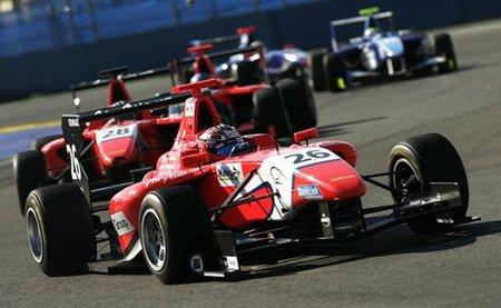 GP3 Europa 2011: victorias de Adrian Quaife-Hobbs y James Calado, Mitch Evans es líder del campeonato