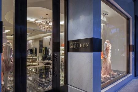 Alexander McQueen estrena boutique en Miami