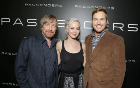 Morten Tyldum con Jennifer Lawrence y Chris Pratt