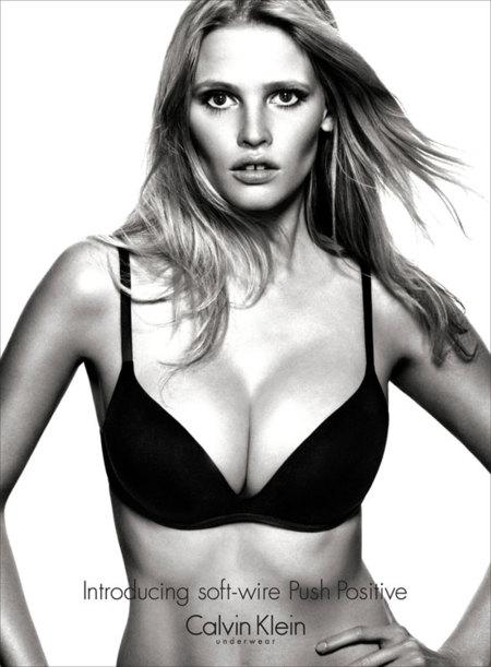 Calvin Klein Underwear campaña Otoño-Invierno 2012/2013: ¡Lara Stone me deja sin palabras!