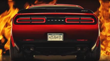 Mucho más bruto y más ligero, el Dodge Challenger SRT Demon empieza a dejarse ver con estos teaser
