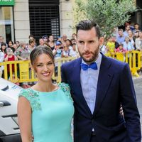 Sergio Llul y Almudena Cánovas se casan en Menorca y las WAGS del baloncesto se visten de largo