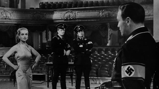 Escena de la película 'Ser o no ser'