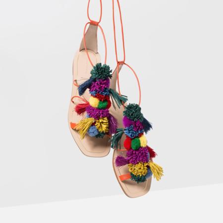Elina Linardaki Sandalia Pompones Multicolor Clon Zara